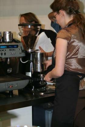 IV. Magyar Barista Bajnokság 2007-A kávé őrlése
